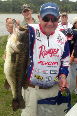 April Tournament - Jim Hooven hauled in a 9lb er to the scales